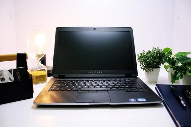 DELL 6430u i5-3437U 8GB 240GB SSD HD+ WIN 10 HOME