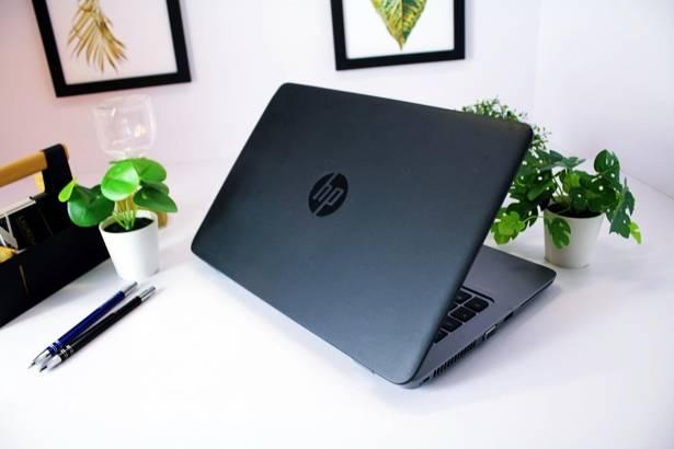HP 820 G2 i5-5300U 8GB 120GB SSD WIN 10 HOME