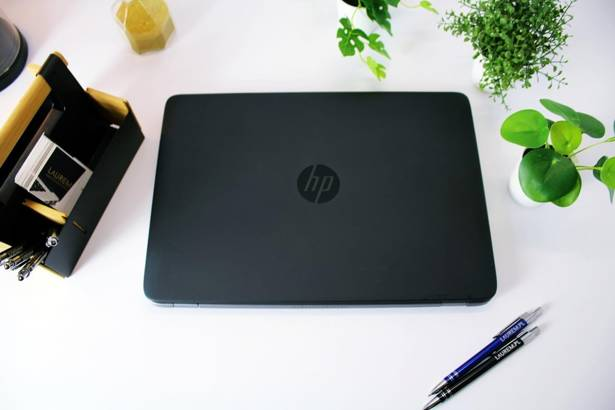 HP 840 G1 i5-4300U 8GB 256GB SSD HD+  WIN 10 HOME