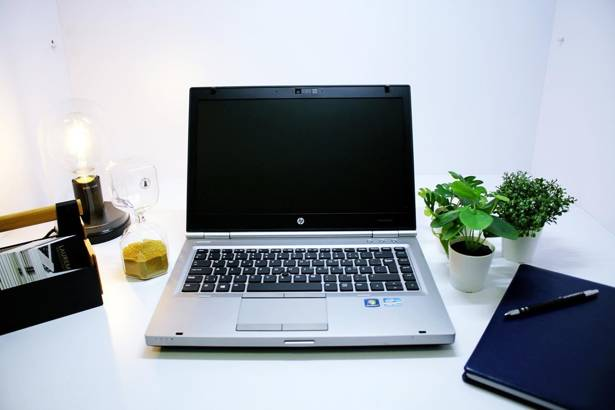 HP 8470p i5-3320M 8GB 120GB SSD WIN 10 HOME